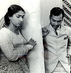 http://www.sundaytimes.lk/090405/images/Gamperaliya.jpg