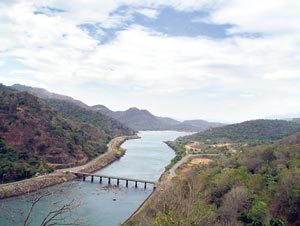 essay of mahaweli river What are the advantages and disadvantages of dams to the society  the longest river mahaweli that begins from the central country winds its way to east coast,.