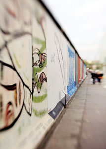 a glimpse at the history of the berlin wall The berlin wall divided east and west berlin for 28 years before it was taken  down  the berlin wall memorial offers a glimpse of history.