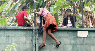 Sri lankan girl ass photo