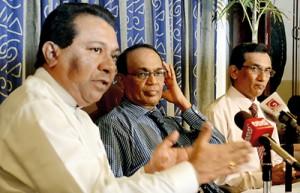 S. B. Dissanayake and Prof. Samaranayake at the news conference
