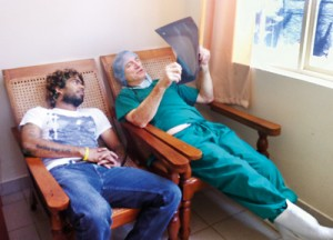 Doctor and friend: Taking a look at pacie Lasith Malinga's x-ray