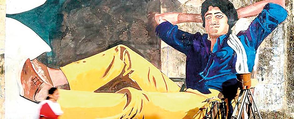 Mumbai murals recall old Bollywood as centenary nears