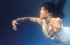 Manoj and Nalin dance under water with 'Mithuriye'