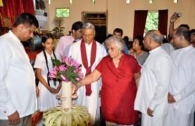 Business and Professional Women Sri Lanka donates books to 1000 children