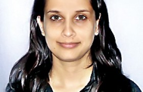 Nilukshi Wijesiri of Oxford College of Business graduates with 6 Grade A's at the BBA