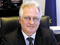Bernard Savage