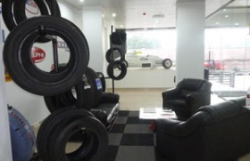 Delphi VP opens new McShaw Automotive Ltd's showroom