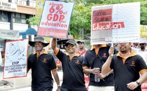 FUTA members taking part in a protest at Hyde Park last week. Pix by Mangala Weerasekera