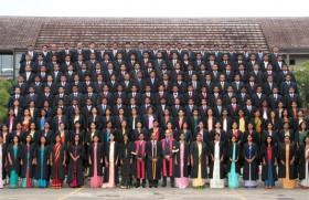 CA Sri Lanka grants associate membership to 215 new graduates at 2012 convocation