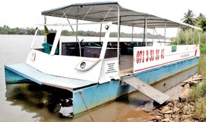A boat like no other: Karunatileke's innovative design.  Pix by M.A. Pushpa Kumara