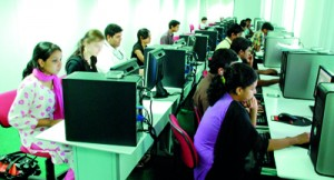 Hi- tech computer laboratories at the state- of- the art APIIT City Campus