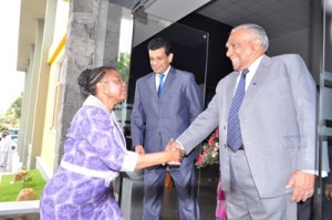 The South African Deputy Minister of Economic Development, Hon. Prof. (Ms) Hlengiwe Mkhize welcomed by Mr. Lucky Wikramanayake – Deputy Chairman Ceyline Group of Companies.