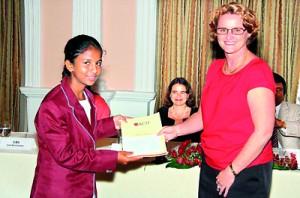 Winner of Third Prize Imasha Sithmini receives her certificate