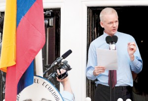 A file photo taken on August 19, 2012 shows Wikileaks founder Julian Assange addressing the media and his supporters from the balcony of the Ecuadorian Embassy in London. AFP