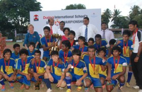 Moir hold firm to claim International Schools title