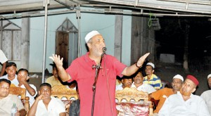 SLMC leader Rauff Hakeem addressing an election campaign rally.  Picture courtesy slmc.lk