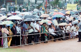 Hiccups in UNP as members defy Party orders  and attend rally