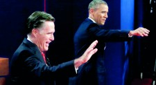 Obama, Romney power into final weekend