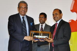Seen here Mr Saparamadu with the award with Prof. P.W. Epasinghe - Chairman, ICT Agency of Sri Lanka (left) and Prof. Gihan Wikramanayake - Chairman, BSC Sri Lanka Section ( BCS The Chartered Institute of IT Sri Lanka Section)