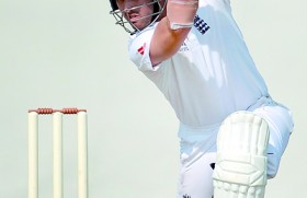 Compton, Trott enjoy time in the middle