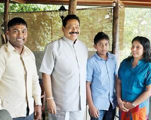 Kalu, wife Shiromi and son Ramith with President Mahinda Rajapaksa