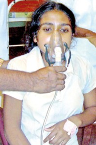 A student from Gampola receives oxygen
