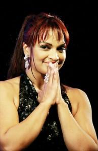 Magnetic presence: Danielle on stage.  Photos: M. A. Pushpa Kumara