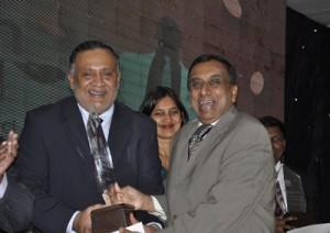CCC Chairman  Susantha Ratnayake and Aitken Spence Director Rajan Britto. Pic by Susantha Liyanawatte
