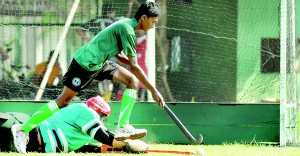 Action from the Charles Robinson Memorial Hockey Sevens held at Police Park. 			      - Pic by Amila Gamage