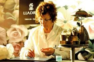 Picture perfect: Francisca Sanjuan Molla creates signature Lladro flowers.