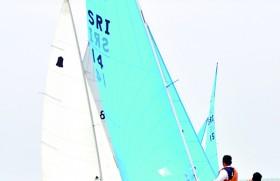 Sailors conquer horizon