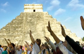 Mayan 'doomsday' sweeps across the world, no casualties