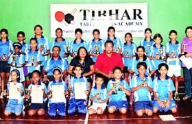 Rasheed and Yahani win Tibhar TT tournament