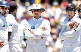Minister to fire cricket selectors