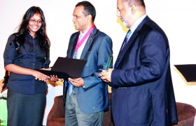 Sri Lankan prize winner of CAT ( ACCA) commends Mercury Institute for paving the pathway to her success