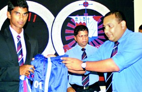 St. Anthony's Group of 93 cricketers donates gear