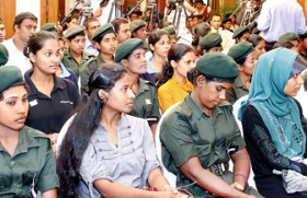 Female Tamil soldiers meet students in skills enhancement programme