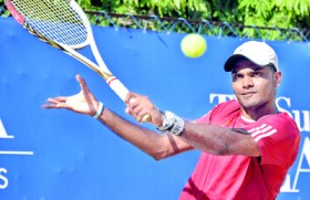 Godamanne prevails over Dineshkanthan to take men's singles