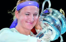 Azarenka beats injured Li in dramatic final
