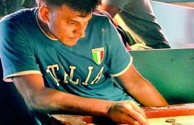 World Champion Nishantha Fernando sliced by Hilmy