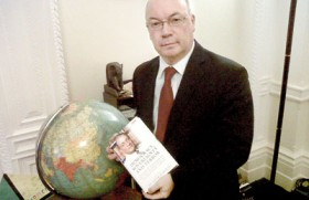 UK to do utmost to see Lanka abides by C'wealth principles: Alistair Burt