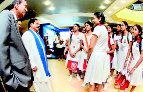 CA Sri Lanka's global qualification attracts thousands of students at EDEX stall�