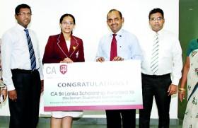 CA Sri Lanka scholarship for top 2012 AL commerce student