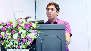 IIHS Student, government Nursing Officer Mr.Pradeep Samanjeewa addressing the gathering.