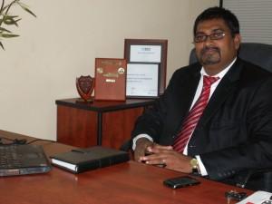 Deshamanya Dr.Viraj Pinto Jayawardena Chairman/ Managing Director Matrix Institute of IT (Pvt) Ltd.