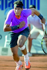 Spanish tennis player Rafael Nadal sprints during his ATP Vina del Mar tournament quarterfinal singles match against also Spanish Daniel Gimeno-Traver (not in frame), in Vina del Mar, about 120 km northwest of Santiago, on February 8 , 2013. AFP