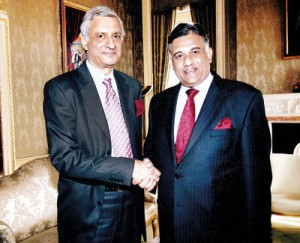 Bogollagama (right) with Kamalesh Sharma