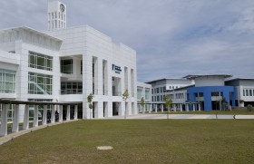 Begin your Degree at the Gateway Graduate School and graduate from the University of Nottingham, Malaysia Campus