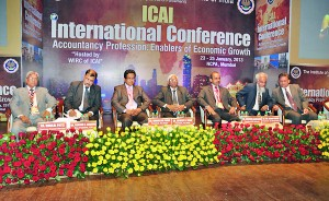 Mr. Sujeewa Rajapakse, President CA Sri Lanka in the head table ( 5th from the left )